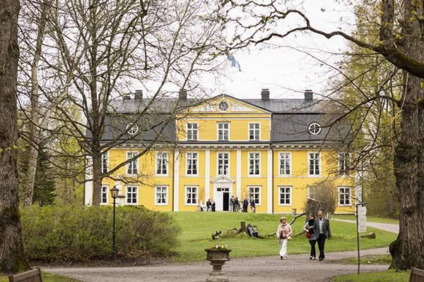 Linnan Museo Puisto Mustion Linna